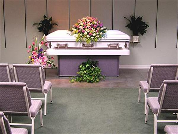 We can accommodate services for all faiths, either here at our chapel or in the church or synagogue of your choice.