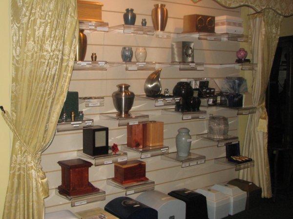 Urn Selection Room