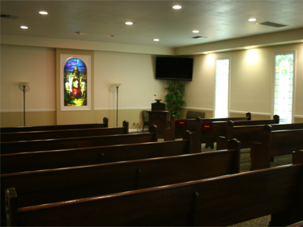 Our chapel can accommodate between 100 - 120 friends and family members for services.