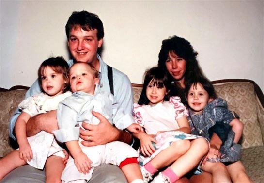 Justin Wayne Mahn Obituary - Visitation & Funeral Information